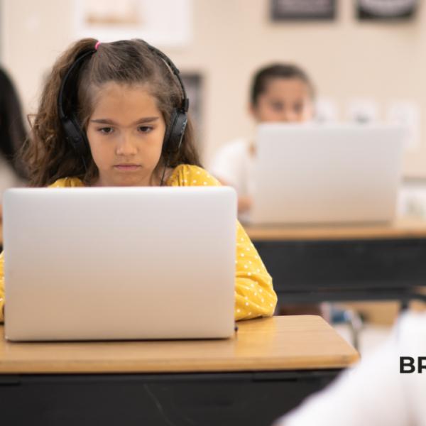Como o aluguel de equipamentos pode ajudar a tecnologia nas escolas do Brasil?